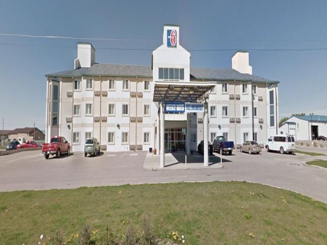 11 Alberta Road, Claresholm, Alberta, ,Hotel,For Sale,Alberta Road ,1129
